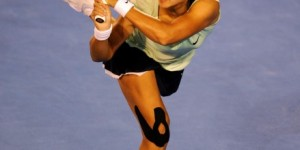 Li Na wearing SpiderTech Precut Knee Tape